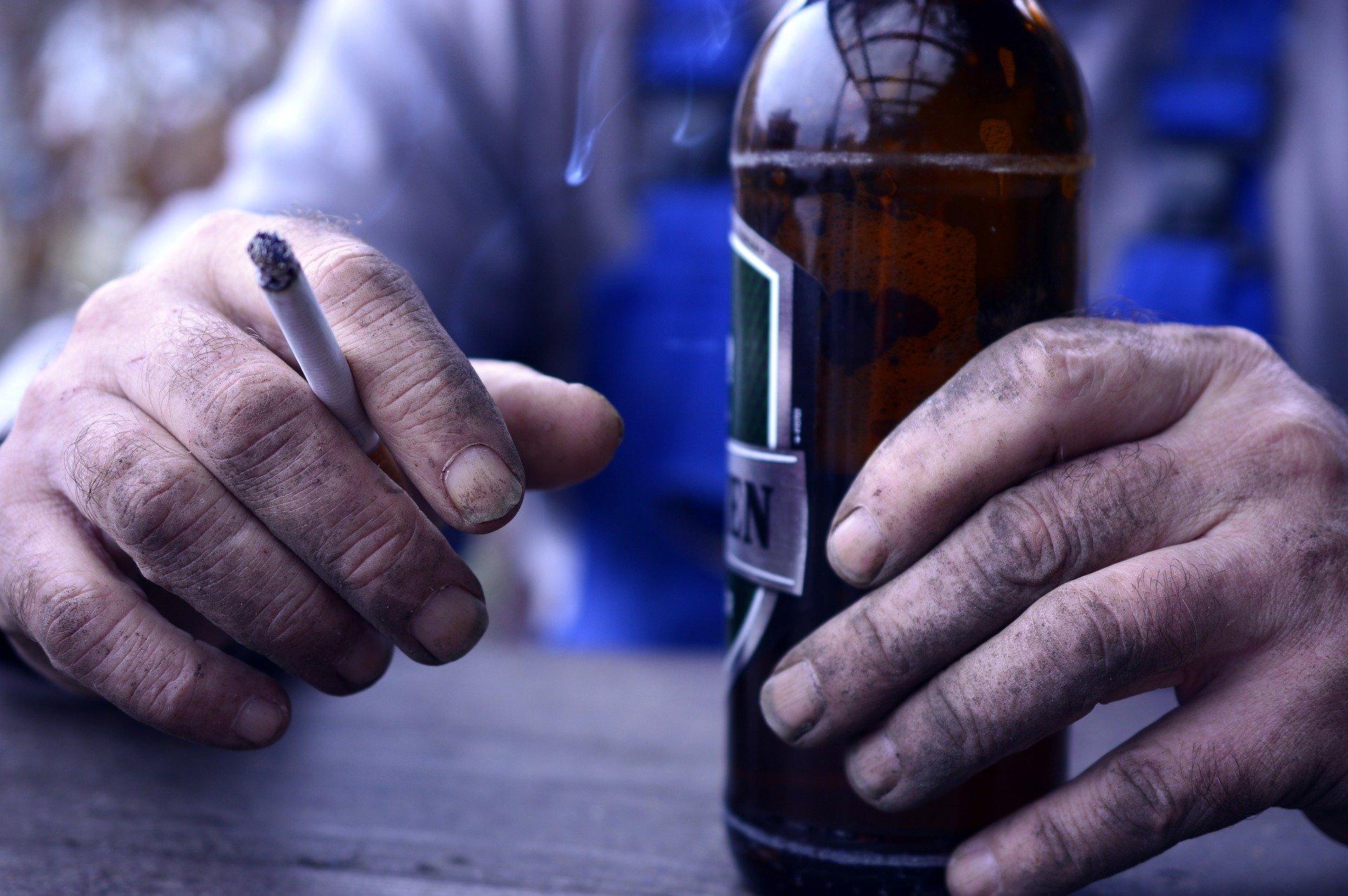 Las drogas de inicio pueden llevar a la adicción.