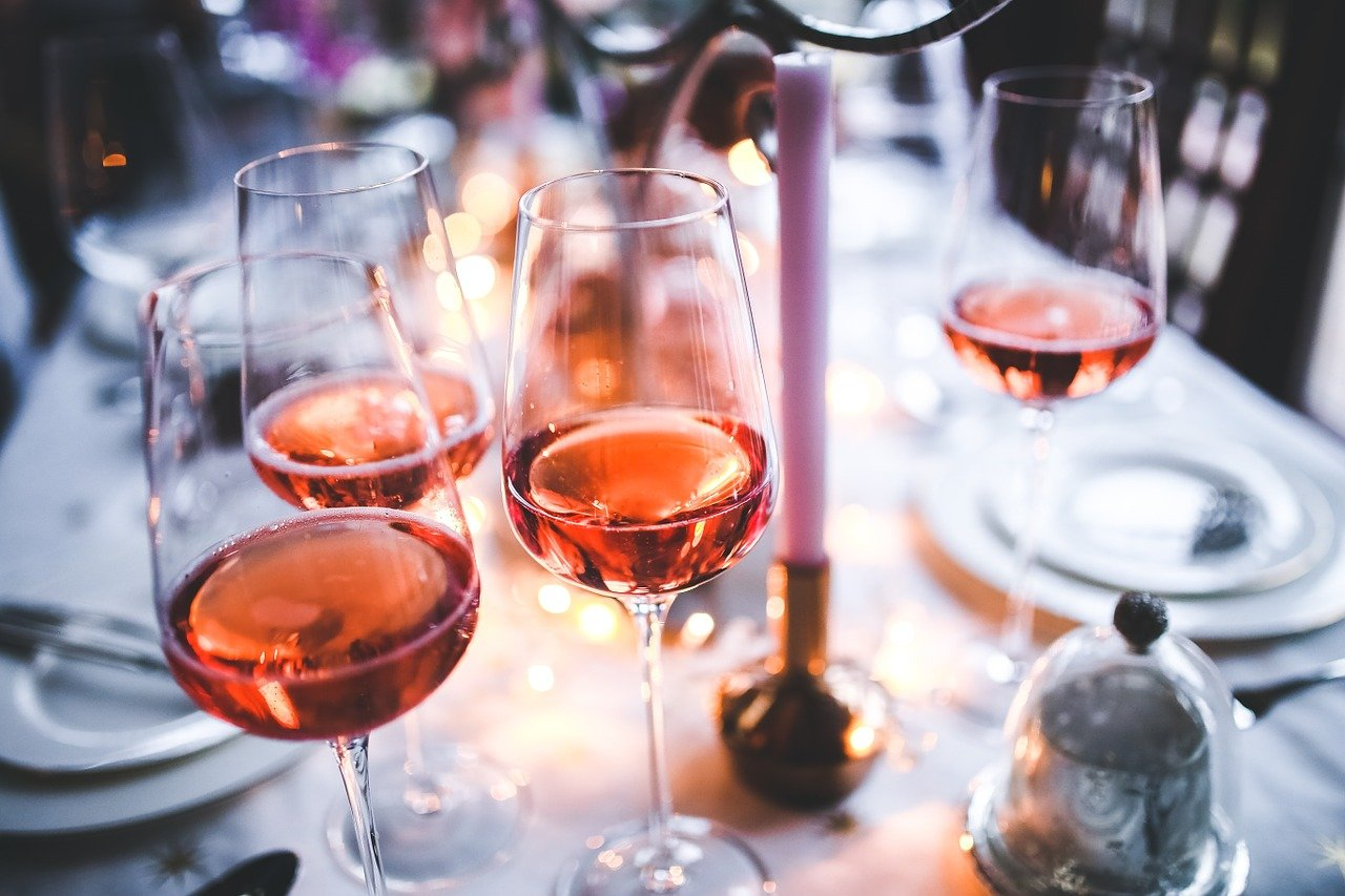 ¿Sabes como dejar de consumir en verano? Consulta a terapeutas profesionales en nuestro centro de rehabilitación del alcohol y te informaremos de la mejor solución para dejar la adicción.